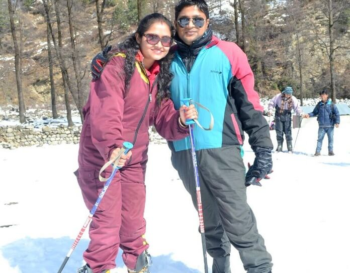 Madhumita and her husband skiing in Manali