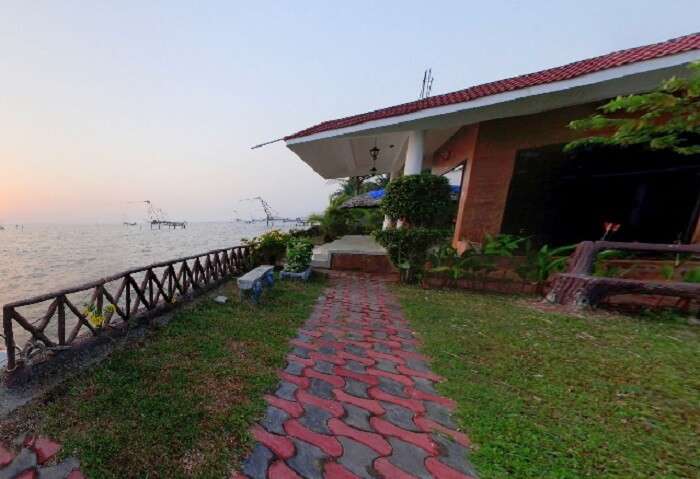 Beautiful views from Lake Symphony Resort makes it one of the best resorts in Cochin