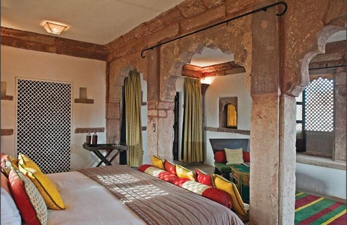 Lounge-cum bedroom at Ranvas