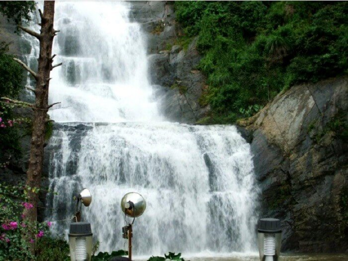 Awe-inspiring view of waterfall in Kodaikanal