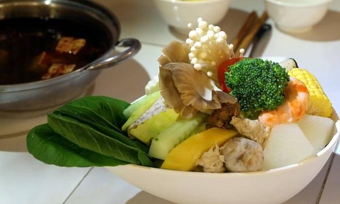 Vegan cuisine at numerous eateries in Taipei