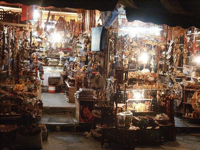 Lakkar Bazaar - a popular place for shopping in Shimla