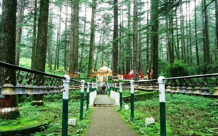 Pay a visit to Tarkeshwar Mahadev to achieve peace of mind and soul