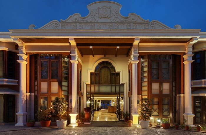 The grand entrance of the Golden Palms that is one of the finest hotels in Mussoorie near Mall Road