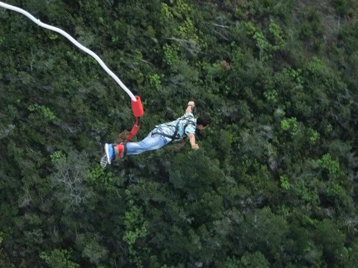 Shivaramakrishanan doing the biggest bungee in the world.
