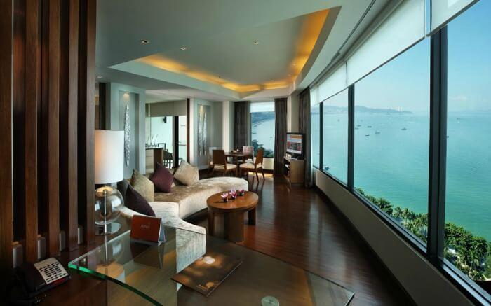 Executive Club Suite Ocean View Room of Amari Ocean