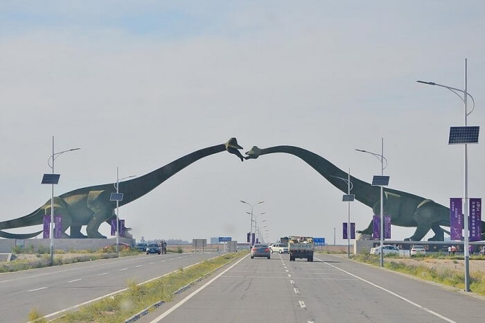 Kissing dragons at the border of China and Mongolia
