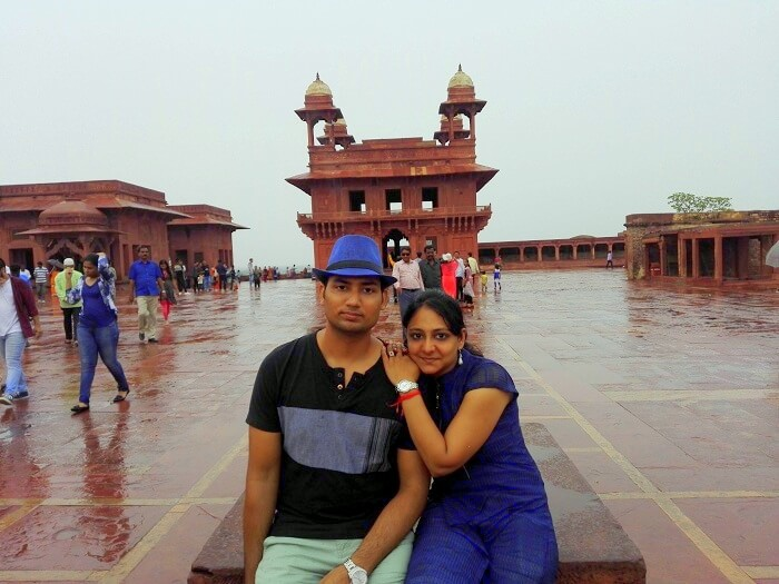 Vineet and his wife at Fatehpur Sikri