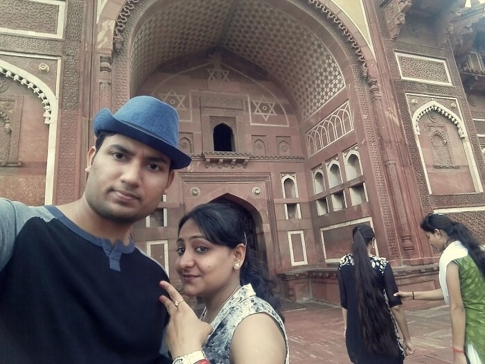 Vineet and his wife at the Agra Fort