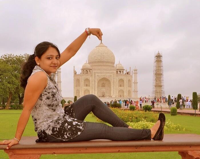 Vineets wife at Taj Mahal