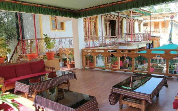 Lobby area of Hotel Chube