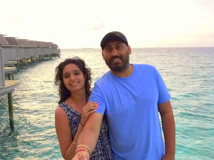 Angad and his wife take a selfie in Maldives