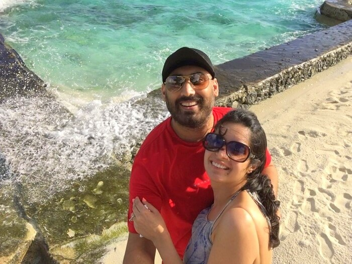Angad and his wife click a selfie in Maldives