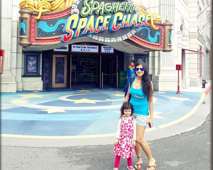 Srishti with her niece at the Universal Studios