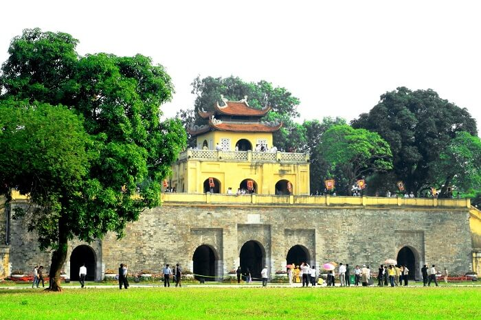 Tourists gather at the Imperial Citadel of Thang Long