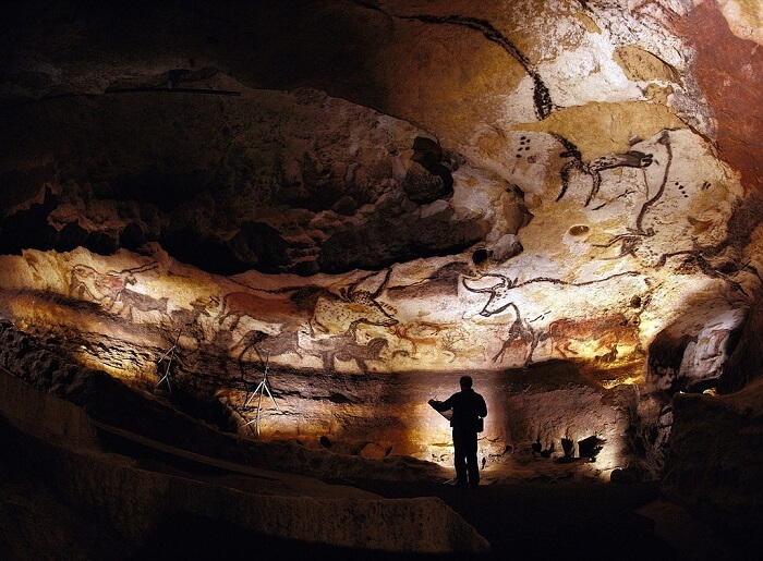 paintings in Lascaux caves