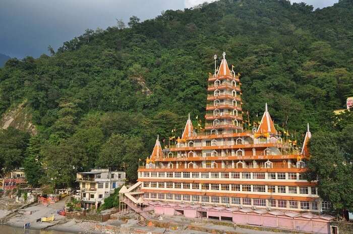 A snapshot of a temple by the river in Rishikesh