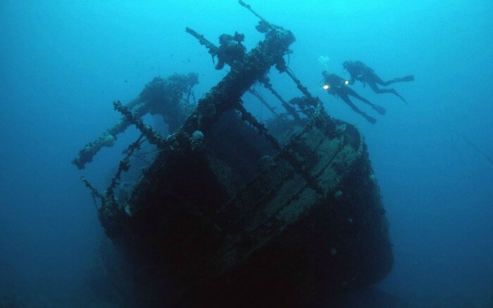 A shipwreck at the bottom of the sea around Egypt