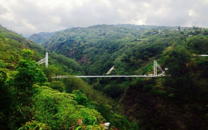 """Enjoying views from Singshore Bridge is surely among the best things to do in pelling"