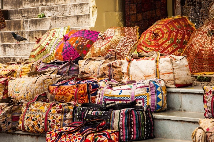Things to buy during your shopping trip to Udaipur