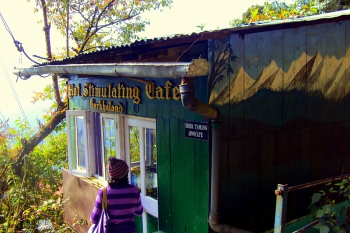 Get the real flavor of Darjeeling at Hot Stimulating Cafe