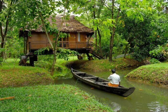 Enjoy monsoon showers at Waterscapes Resort in Kumarakom