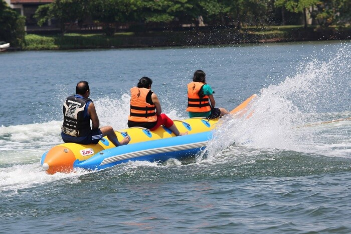 Kanika and her family doing boat ride in Bentota