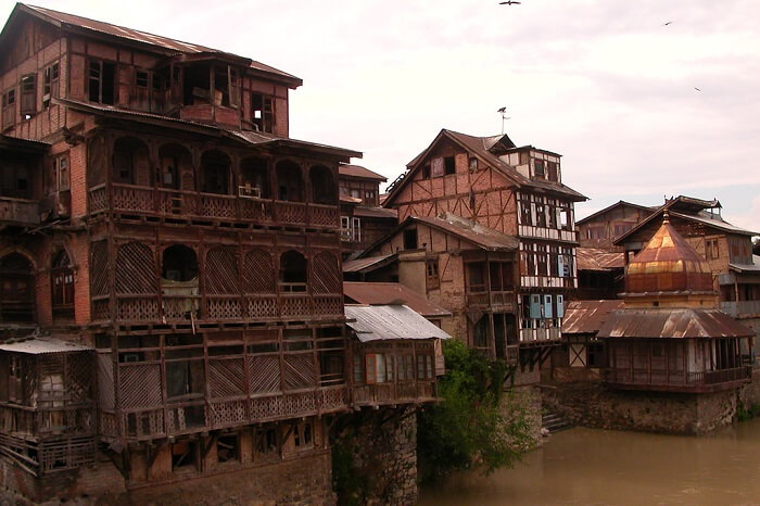 A shot of the old structures in Old Srinagar