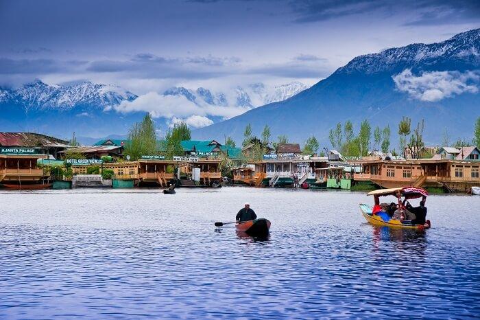 Shikaras in the Dal Lake of Srinagar in Kashmir