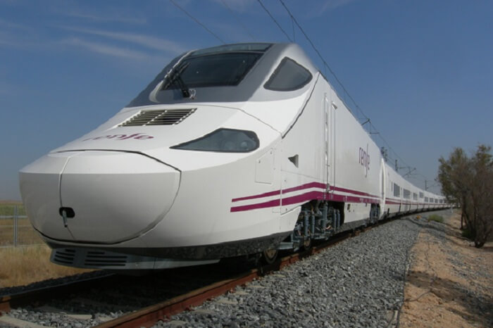 A shot of the Talgo train during the second trial