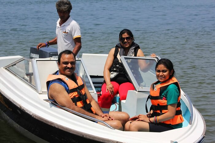 Kanika and her family doing water sports in Sri Lanka