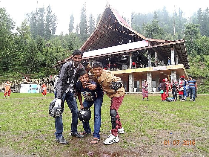 Satish and his friends in Manali