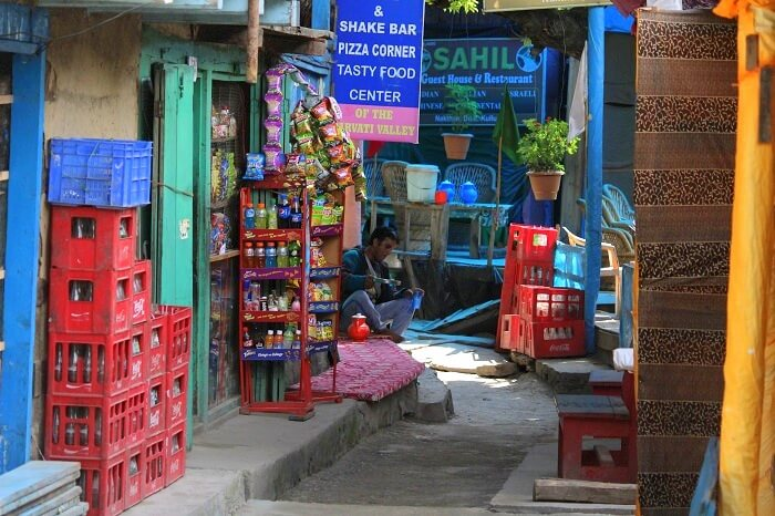 Exploring the streets of Kasol