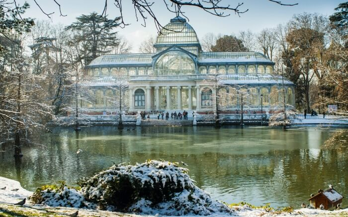 Snow around Retiro Park in Madrid