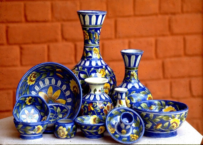 Buy potteries from Jodhpur market