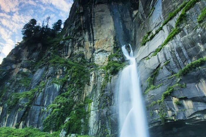 Jogini waterfalls in Manali
