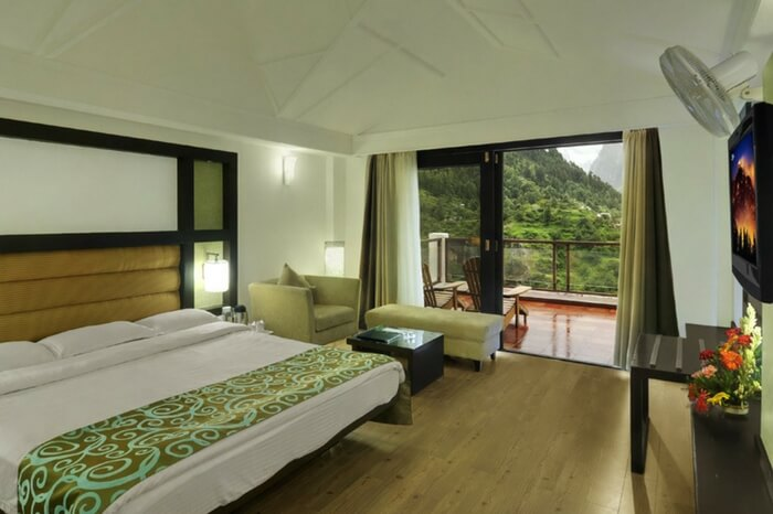 Honeymoon suite at Apple Country Resort in Manali