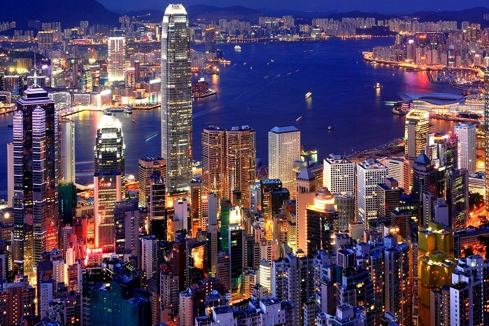 A view of the skyline and the best luxury hotels in Hong Kong