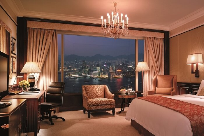 A grand suite at the Island Shangri-La hotel in Hong Kong