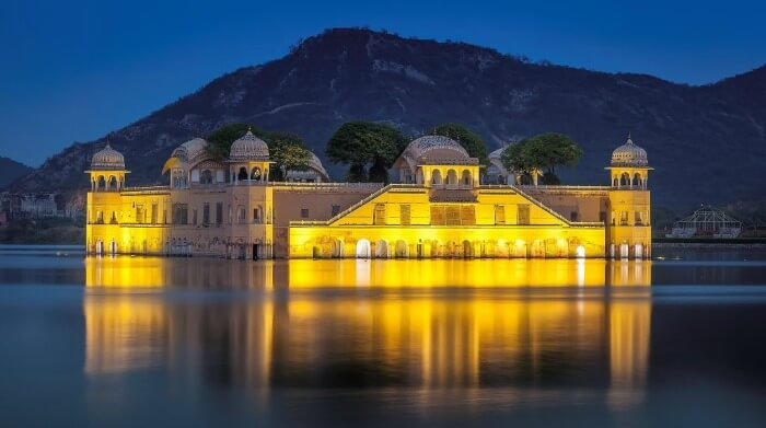 The magnificent Jal Mahal during sunset