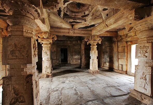 Lose yourselves in the rich architecture of the Madhavaraya temple