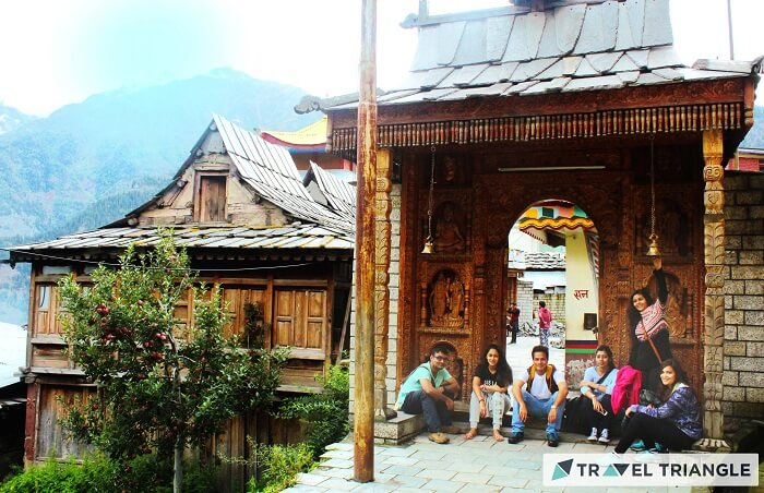 Travelers doing sightseeing in Himachal