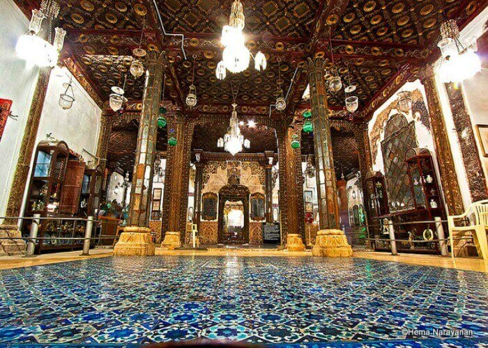 Lose yourselves in the bewitching architecture of Aina Mahal Palace in Bhuj