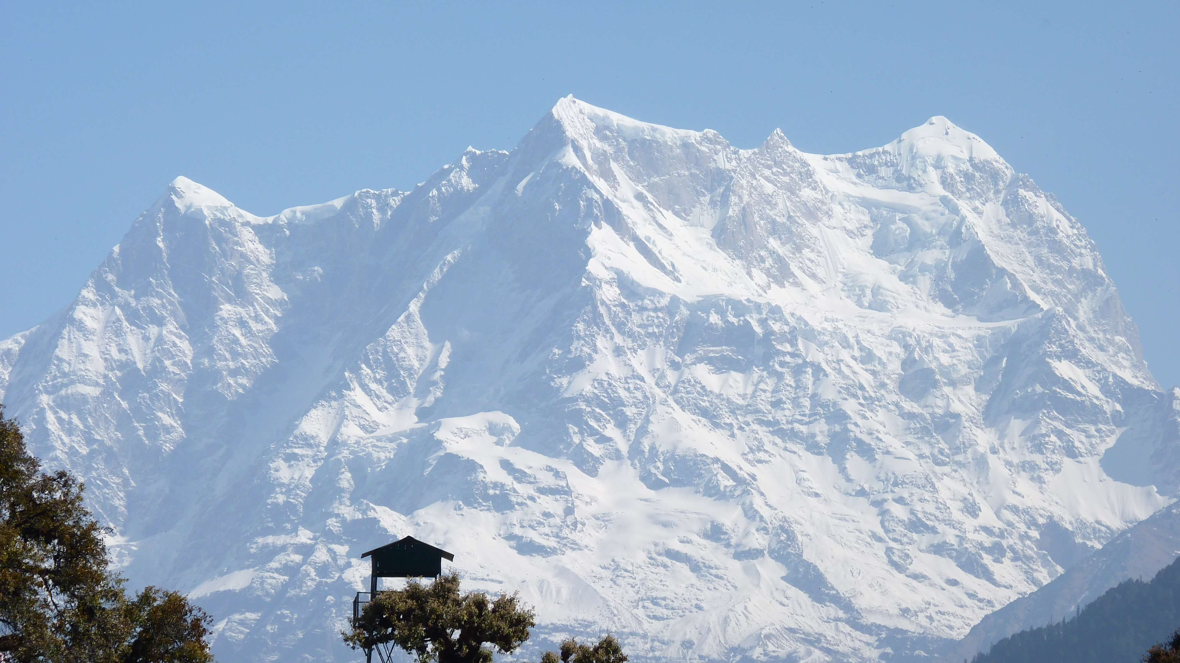 a huge snowclad mountain in Chopta