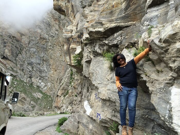 Sweta on her way to Chitkul