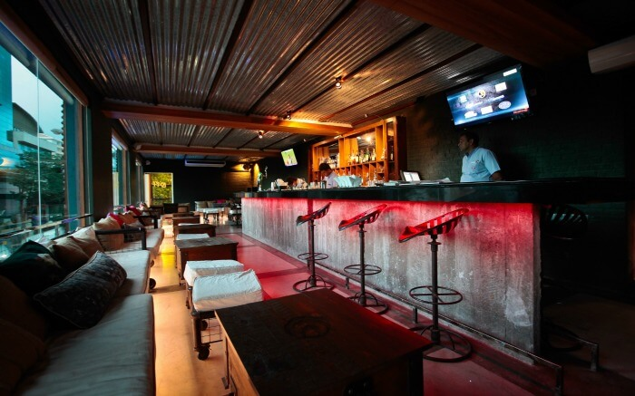 Nightlife is at its best in the Loft Lounge Bar in Colombo