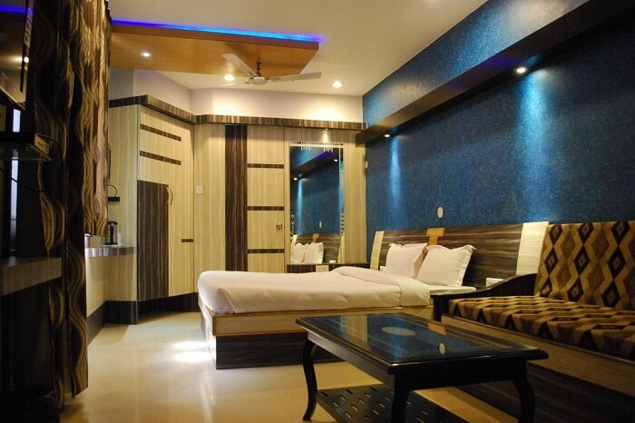 The royal looking room at the Neelkamal hotel in Ajmer