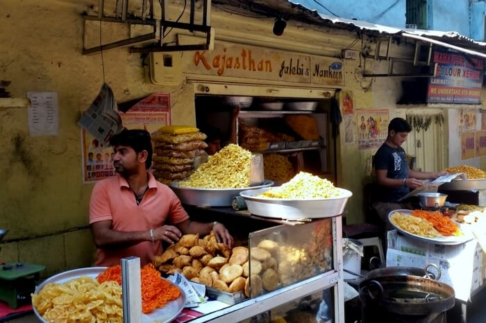 The stall full of fresh jalebis at Rajasthani Jalebi and Namkeens