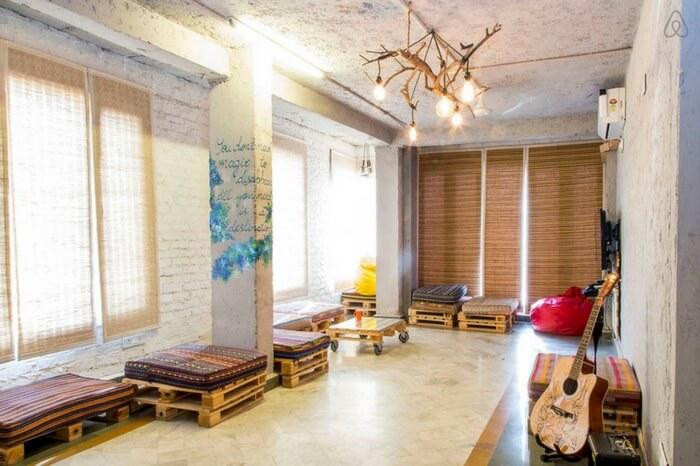 Living space of Jugaad Hostel in R K Puram