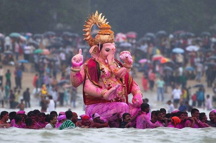 A beautiful shot depicting the Ganesh Visarjan during the Ganesh Chaturthi festival